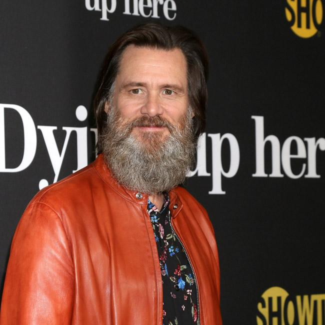 Jim Carrey lifts lid on beef with Tommy Lee Jones