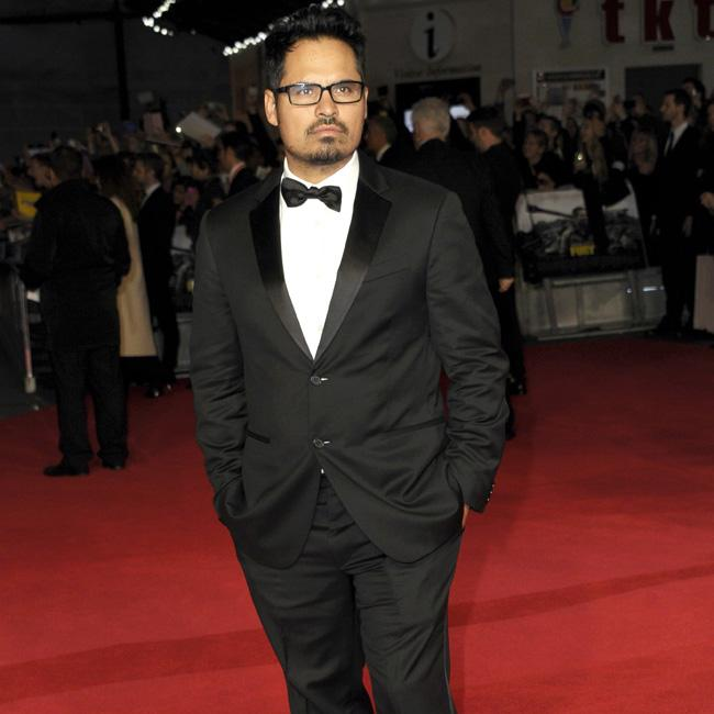 Michael Pena joins The Mule