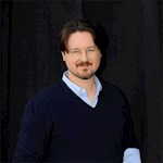 Matt Reeves signs TV deal with Warner Bros.